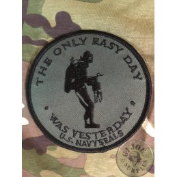 """PARCHE  NAVY SEALS """"THE ONLY EASY DAY WAS YESTERDAY"""" VERDE"""