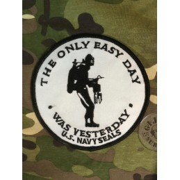 "PARCHE NAVY SEALS ""THE ONLY EASY DAY WAS YESTERDAY"" BLANCO"