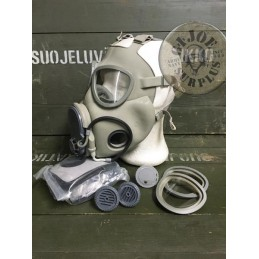 "GAS MASK  ""M10/2""  XLARGE AS NEW"