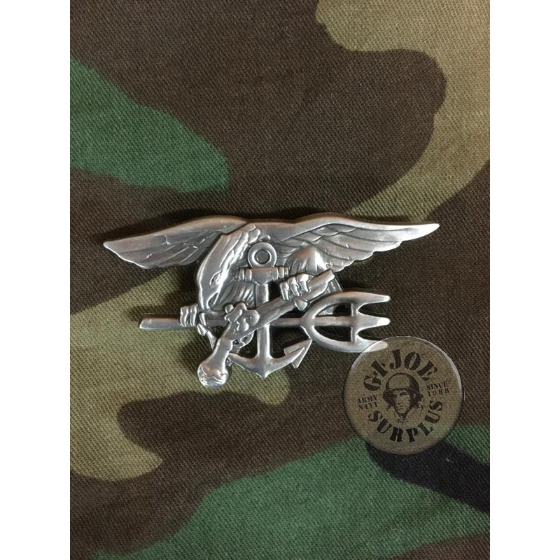 NAVY SEALS SOLDIERS IRON BADGE MADE IN USA