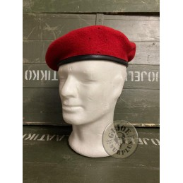 GERMAN ARMY BERETS RED...