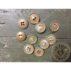 BRITISH ARMY PLASTIC BUTTONS X10
