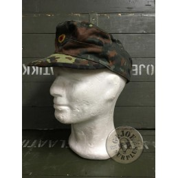 GERMAN ARMY FLECKTARN UNIFORM/CAP NEW CONDITION