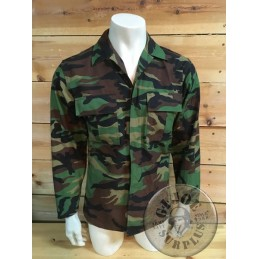 COLLECTORS ITEM!!! ROKA SOUTH KOREA WOODLAND CAMO JACKET